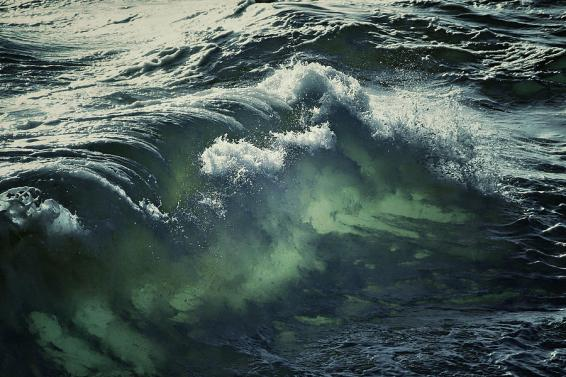 inner-glow-of-ocean-waves-anne-macdonald