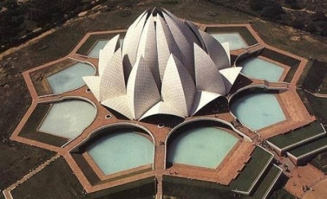 a1the-lotus-temple-in-india